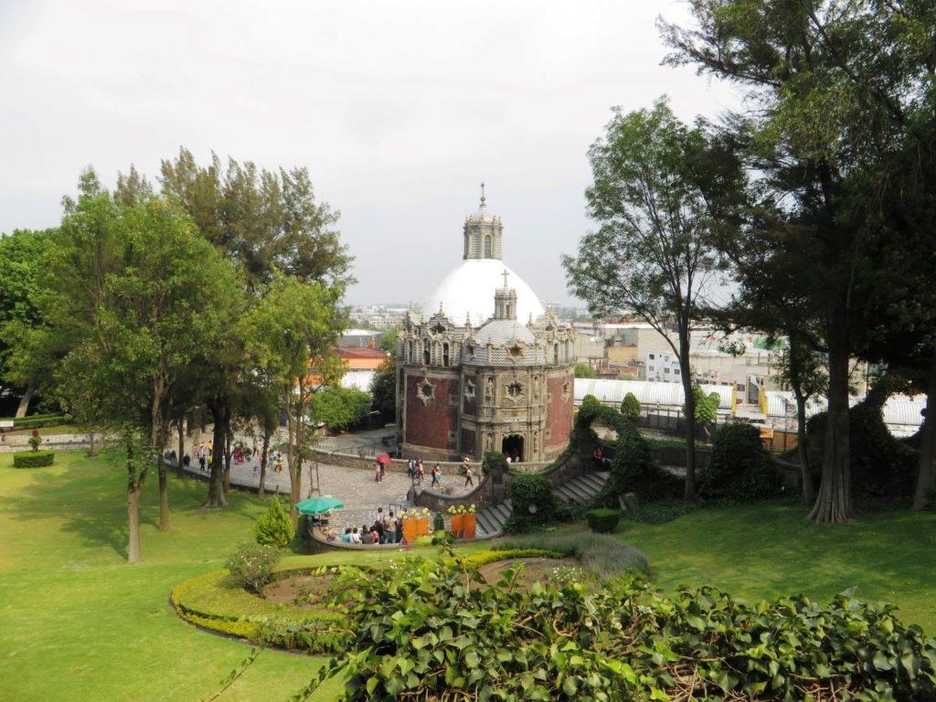 Garden_Basilica_de_Guadalupe