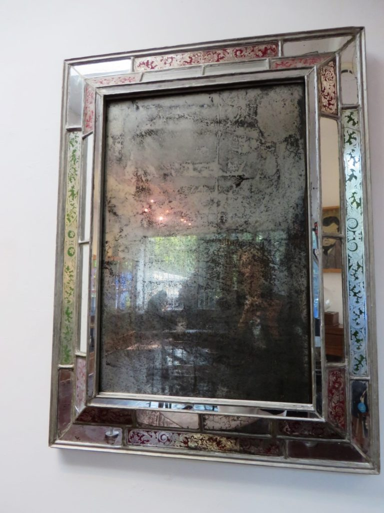 Mirror_Frida_Khalo_Museum_Mexico_City