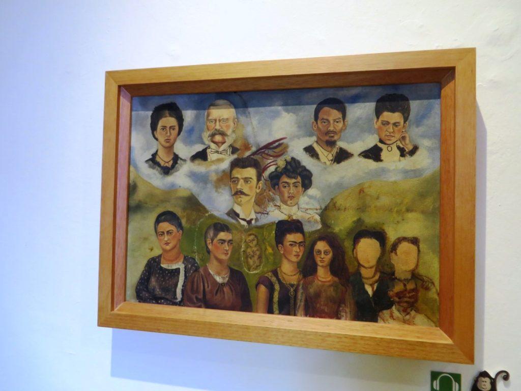 Frida_Khalo_Familiy_in_Museum_Mexico_City