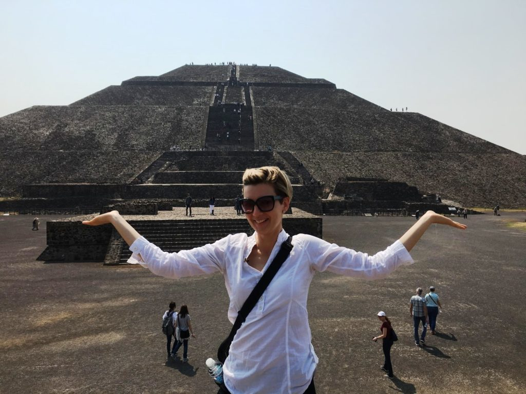 Pyramid_of_Sun_Teotihuacan_Mexico_City