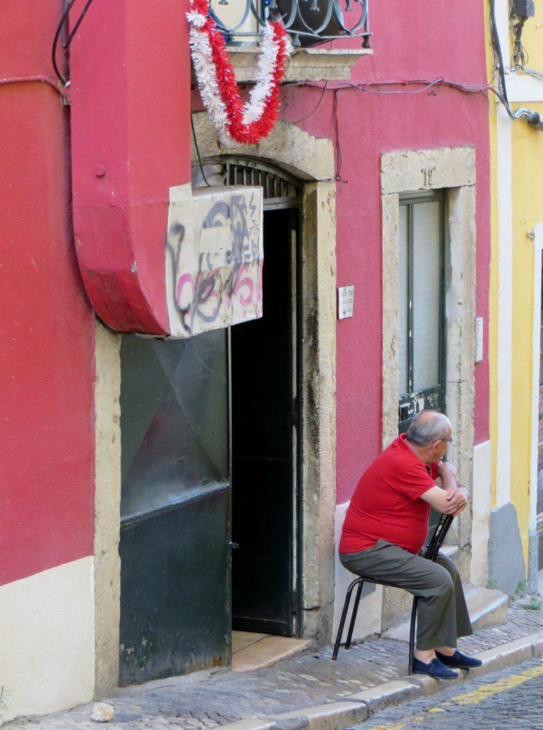 Man_on _the_street_Lisbon