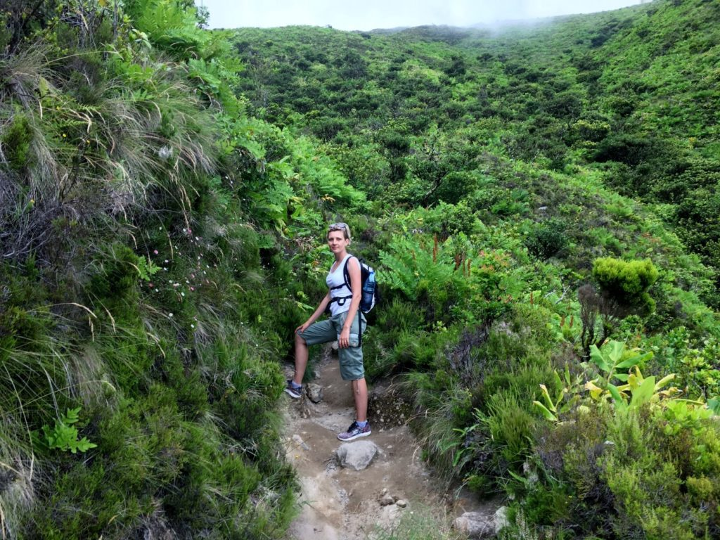 Hiking to Lagoa do Fogo in Sao MIguel, Azores
